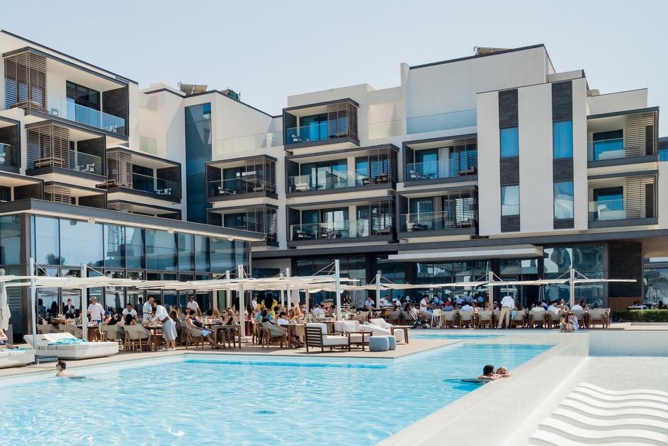 Brunch With Cote D Azur Vibes At Nikki Beach Resort Spa Dubai
